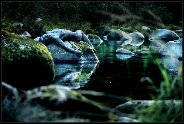 [sleeping stones enigma] Artistic Nude Photo by Photographer Laila Pregizer